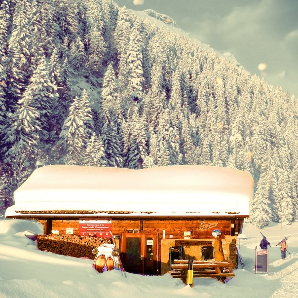 The cabane of Cergnement in winter